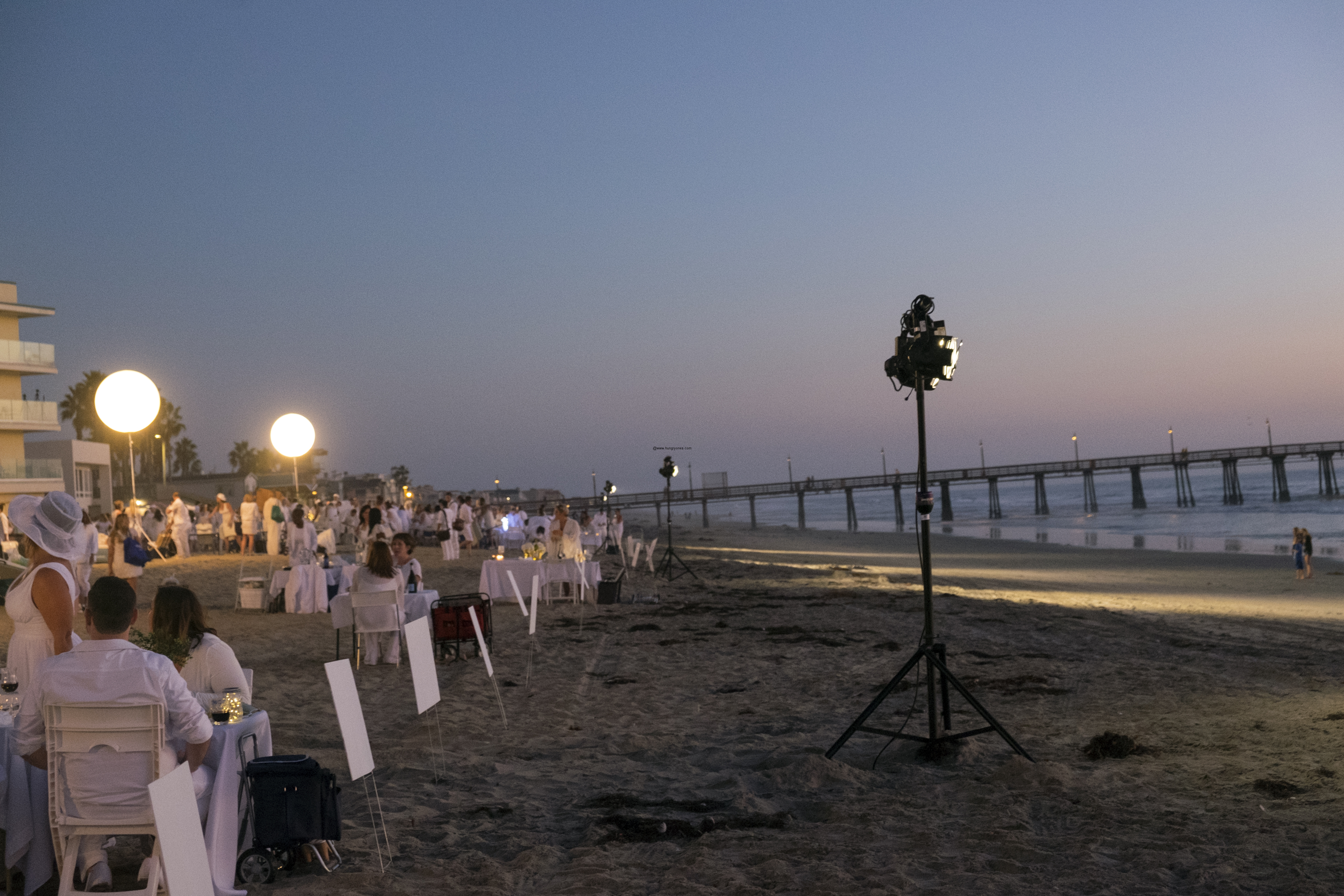 le-diner-en-blanc-and-apothic-wine-all-white-beach-event-20163192